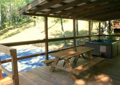 Hot Tub - Picnic Table - Deck