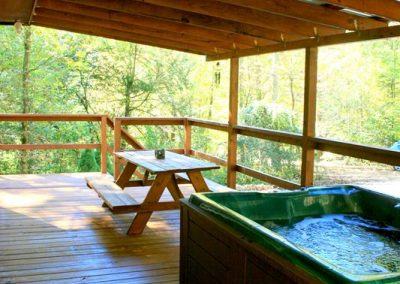 4-Person Hot Tub